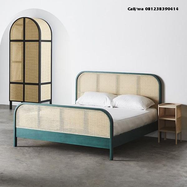 Set Tempat Tidur Duco Rotan Alami